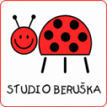 Kurzy jógy pro samotné děti ve studiu Beruška